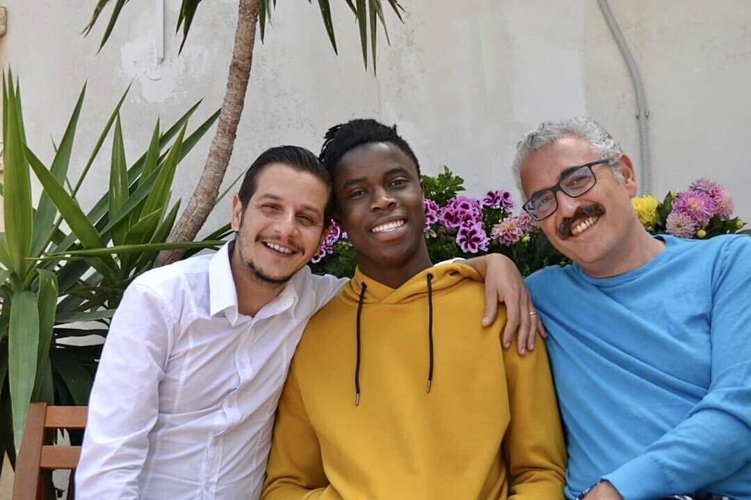 Una famiglia arcobaleno per Samuel.